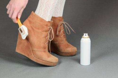Як правильно чистити взуття з різних матеріалів