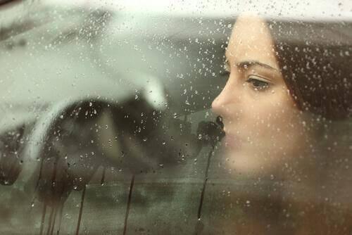 сприймати емоції, щоб подолати біль