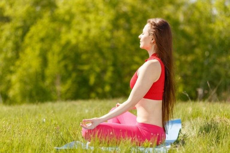 7 поз із йоги для щастя