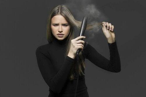 Чотири способи природного випрямлення волосся