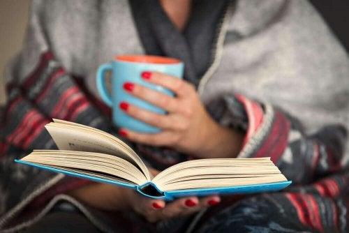 Переваги читання на ніч для вашого мозку