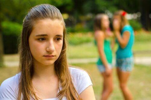 як дізнатися що над дитиною знущаються в школі