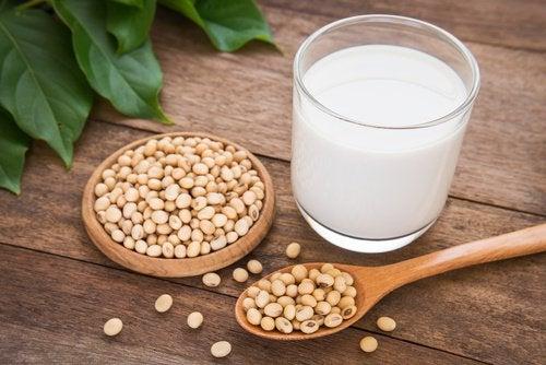 відмова від сої покращить роботу щитоподібної залози