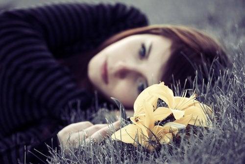 Поширені попереджувальні ознаки депресії
