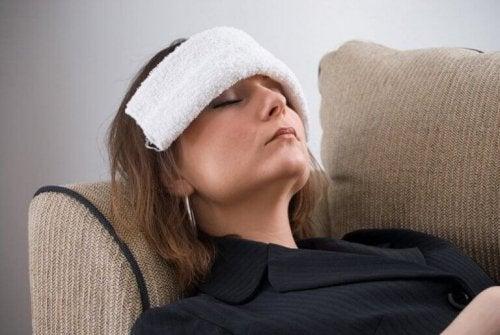 компрес усуває головний біль без ліків