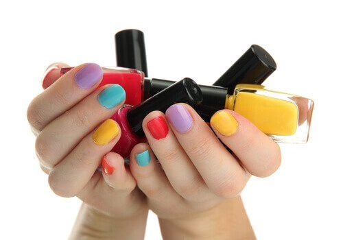 як правильно обирати лаки для нігтів
