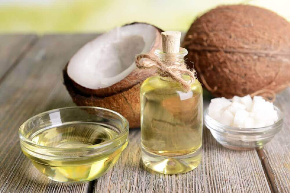 Оцет з кокосовою олією проти вошей