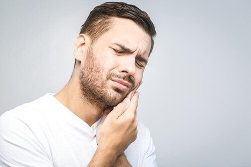 Зубний біль: ефективні засоби, щоб його позбутися