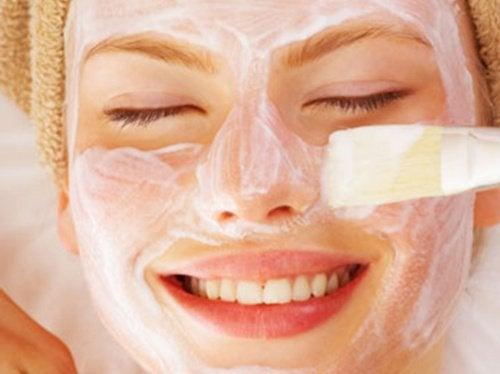 йогуртова маска для обличчя