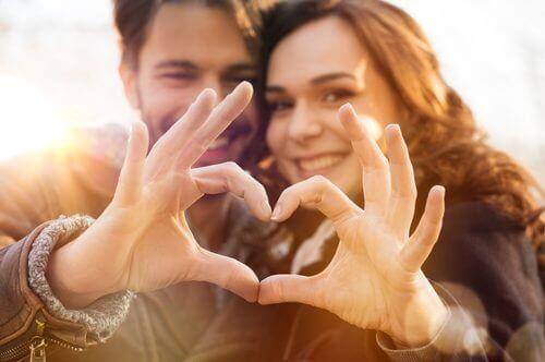 побудувати чудові стосунки в парі