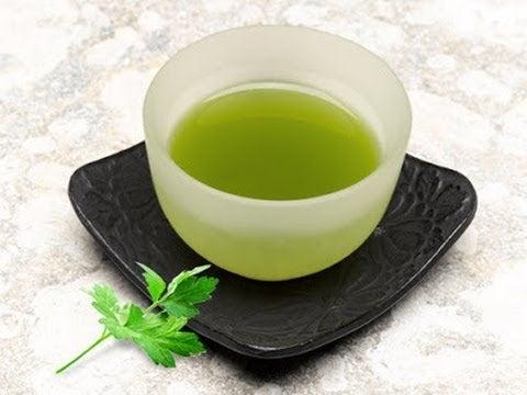 чай з петрушки може знизити високий рівень холестерину