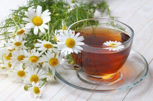 ромашковий чай від затвердіння шкіри