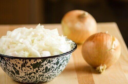 як природно лікувати бронхіт цибулевим супом