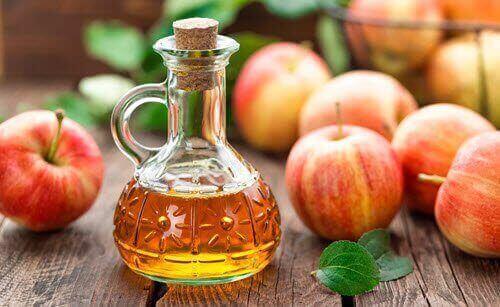яблучний оцет від лупи