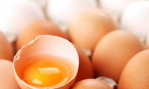 переваги яєчних білків від мішків під очима
