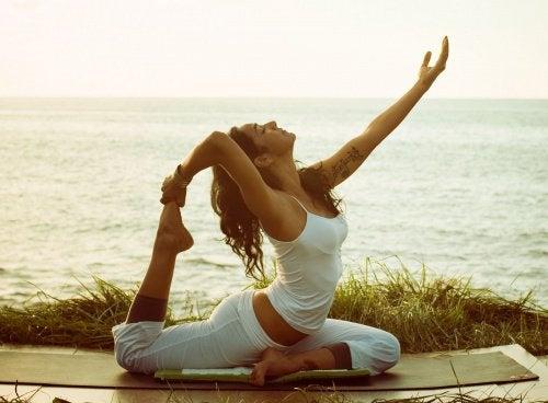 великий поперековий м'яз і йога