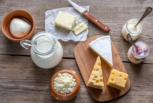 молочні продукти викликають шлунковий біль