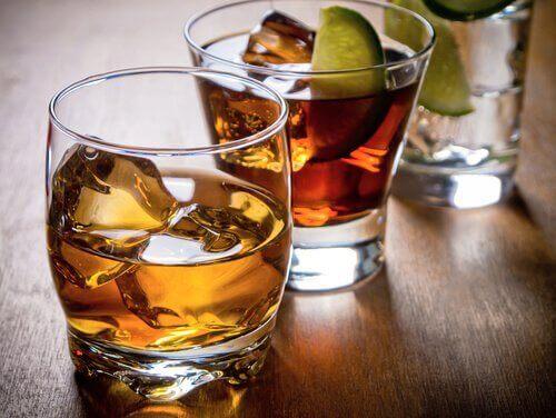 алкогольні напої руйнують печінку