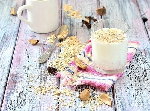 Які переваги має вівсяне молоко?