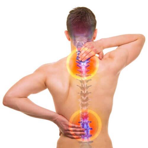 Три заняття, які допоможуть зменшити біль спини