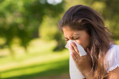 чхання як симптом синуситу