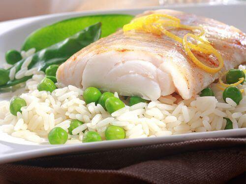 риба та рис