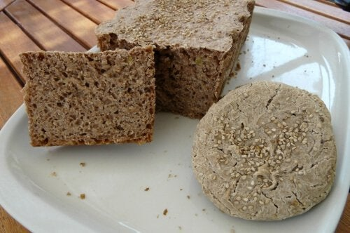 Безглютеновий хліб з рисом та гречкою: просто та смачно