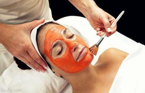 скраб з томатами для відлущення шкіри