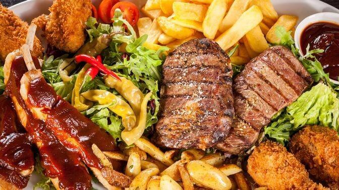 неправильне харчування може викликати обвисання грудей