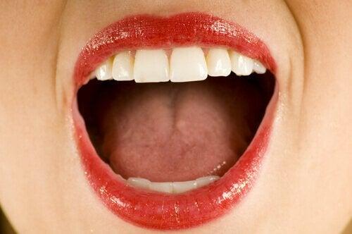перекис водню для лікування виразки на язику