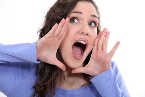 вправа від обвисання шкіри навколо рота