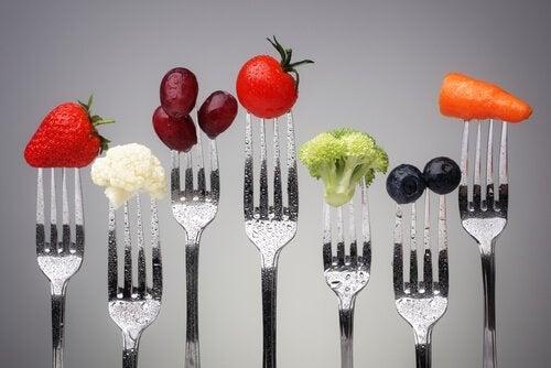 дефіцит вітамінів призводить до набору ваги