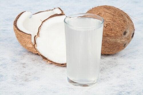 переваги кокосової води для настрою