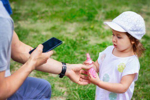 Навчіть дітей безпечно просити по допомогу