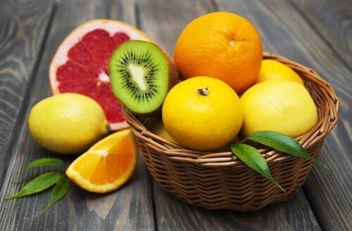 цитрусові фрукти для профілактики катаракти