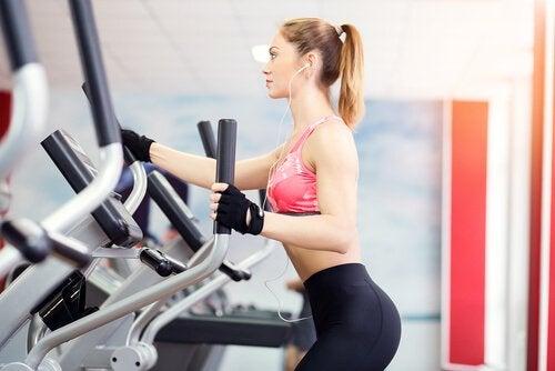 вправи для втрати ваги на тренажерах