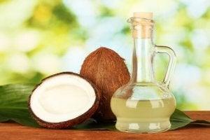 Чому корисна зубна паста з кокосовою олією