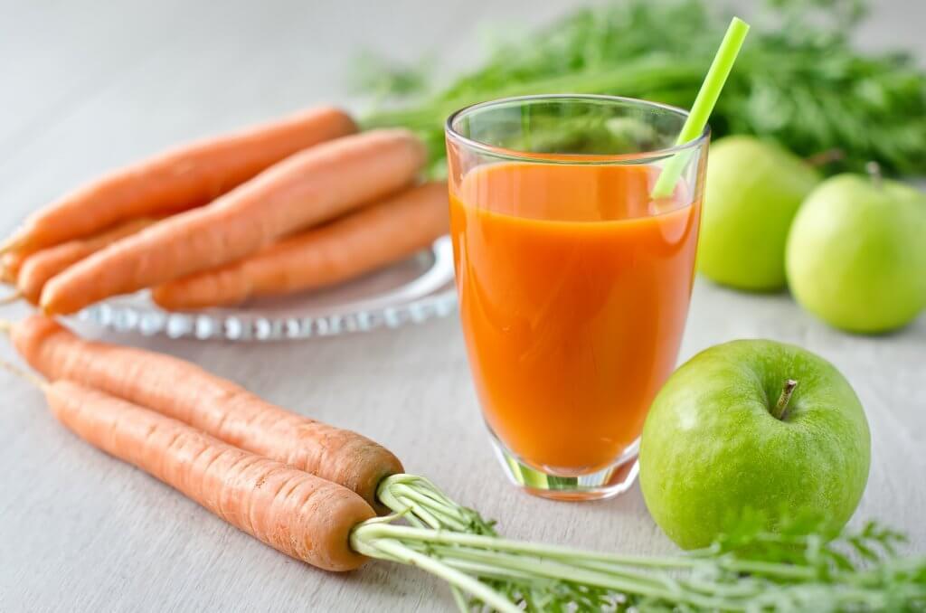 морквяне смузі з яблуком