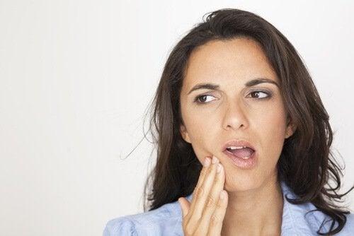 симптоми зубних інфекцій