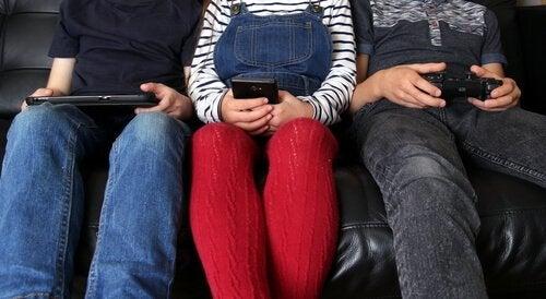 сім'я та вплив електромагнітного впливу