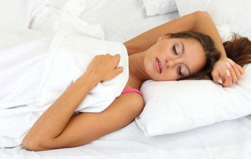 положення під час сну та біль у шиї