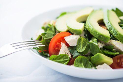 8 порад, як почати їсти більше овочів