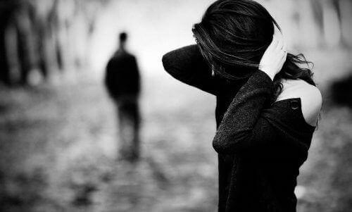 Як підвищити самооцінку після завершення стосунків