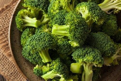 вегетаріанські нагетси з броколі