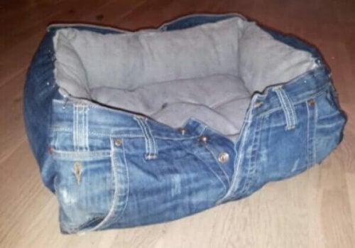 ліжка для тварин із джинсів
