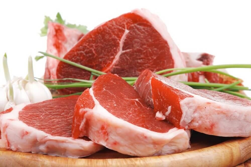 шматок м'яса у щоденному раціоні