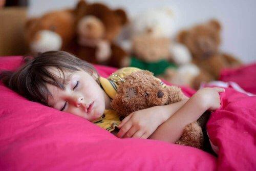 дитячий енурез уві сні