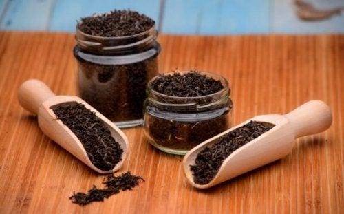 Засоби з чорним чаєм, про які варто знати