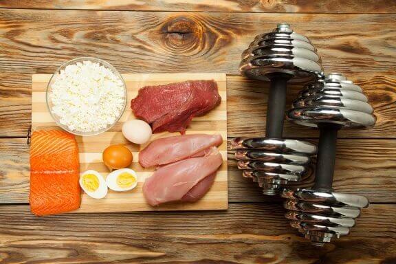 10 корисних продуктів, щоб набрати м'язову масу