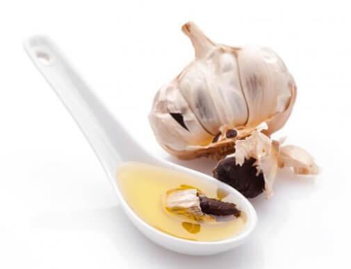 Як приготувати часникову олію в домашніх умовах